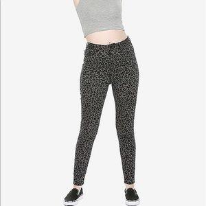 Hot Topic Pants - Gray Leopard Jeggings 17 Pants Hot Topic